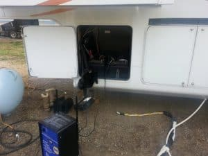 power converter for a 5th wheel